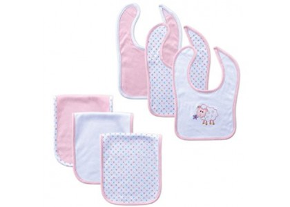 How a Bib or Burp Cloth Can Save the Day for Your Baby