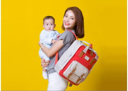 Using Diaper Bags for Carrying Diapers and Other Items